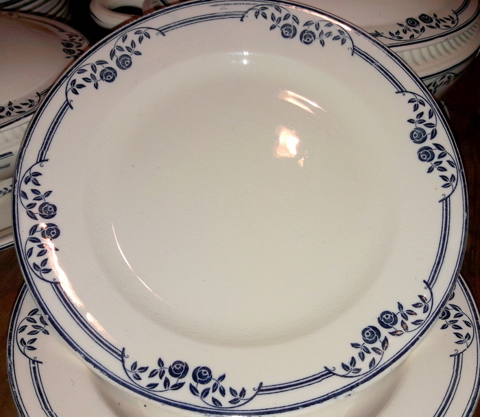 SERVICE DE TABLE FLEURS BLEUES / BLUE FLOWERS TABLE SET