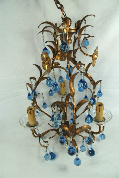 PETIT LUSTRE 3 FEUX PAMPILLES BLEUES / SMALL LUSTER 3 LIGHTS WITH BLUE PENDELOQ