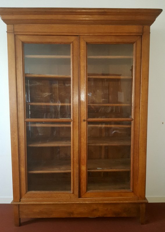 ARMOIRE VITRINE EN CHENE CLAIR / LIGHT OAK BOOKCASE
