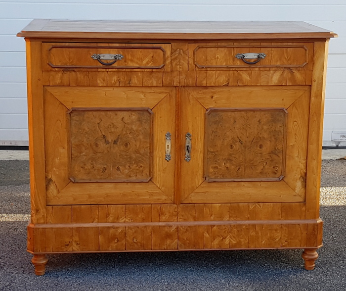 BUFFET LOUIS PHILIPPE MERISIER / LOUIS PHILIPPE CHERRYTREE CUPBOARD