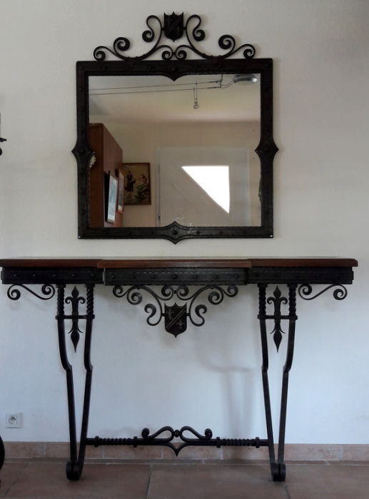 GRANDE CONSOLE ET MIROIR EN FER FORGE / LARGE CONSOLE AND FORGED IRON MIRROR