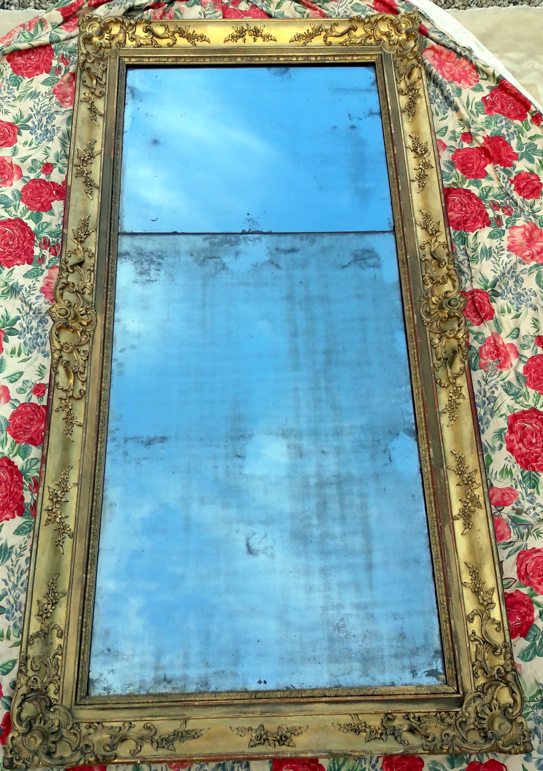 GRAND MIROIR DORE GLACE EN 2 PARTIES/ BIG GOLD MIRROR WITH 2 PARTS GLASS
